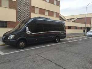 Günstiger Bus mieten Flughafen Madrid, Atocha Bahnhof, Hochzeiten, Kommunionen, Aufführungen, Dienstleistungen