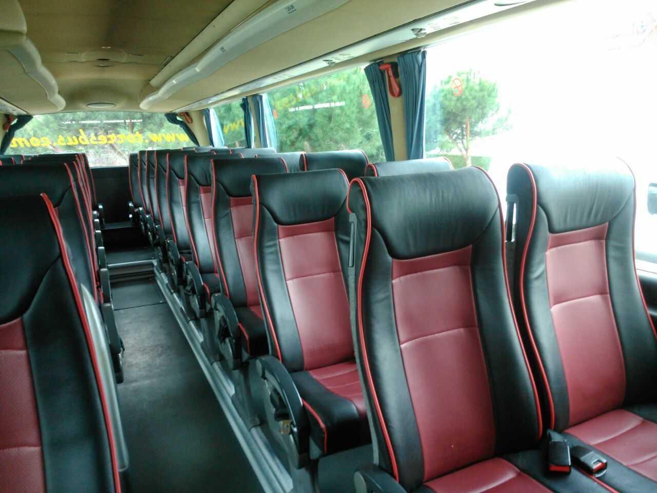 Alquilar autocar, la solución más práctica de transporte