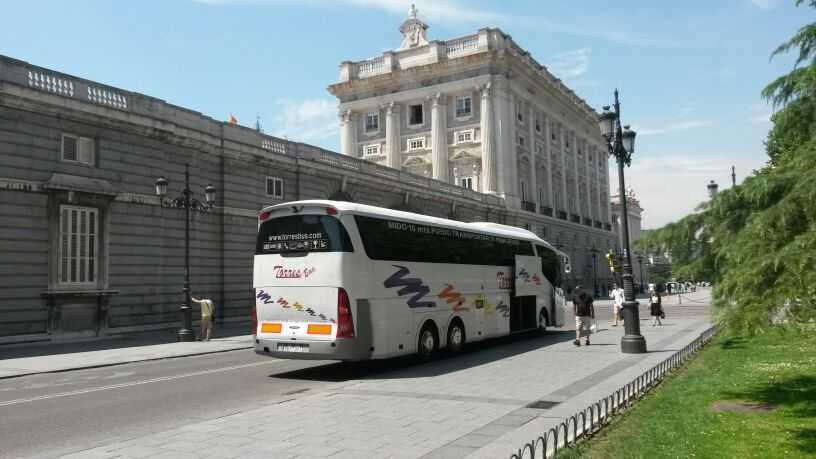 Alquiler de autobuses para viajes en Madrid