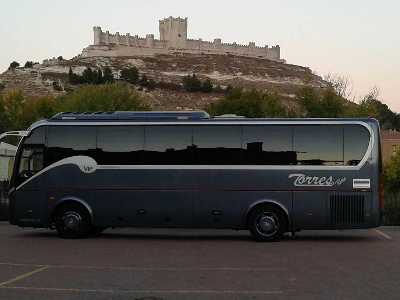 contratar minibus VIP 30 plazas madrid y toledo