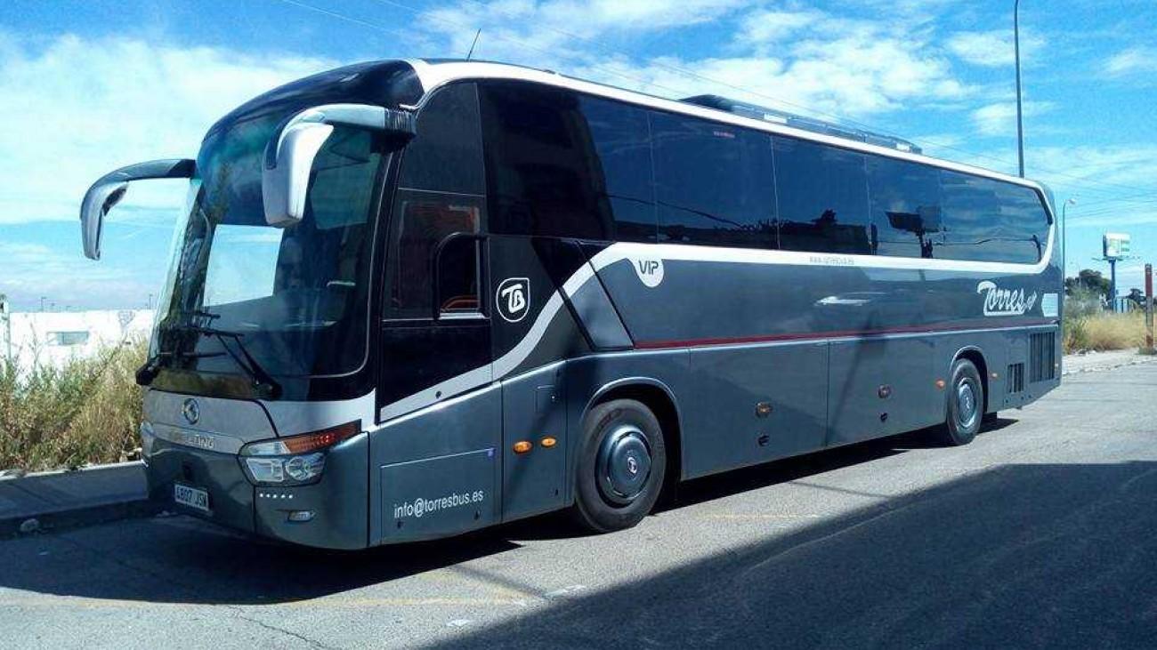 Autocarros e autocarros dos quadrados 54