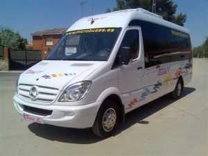 मैड्रिड कंपनी में मिनी बस का किराया