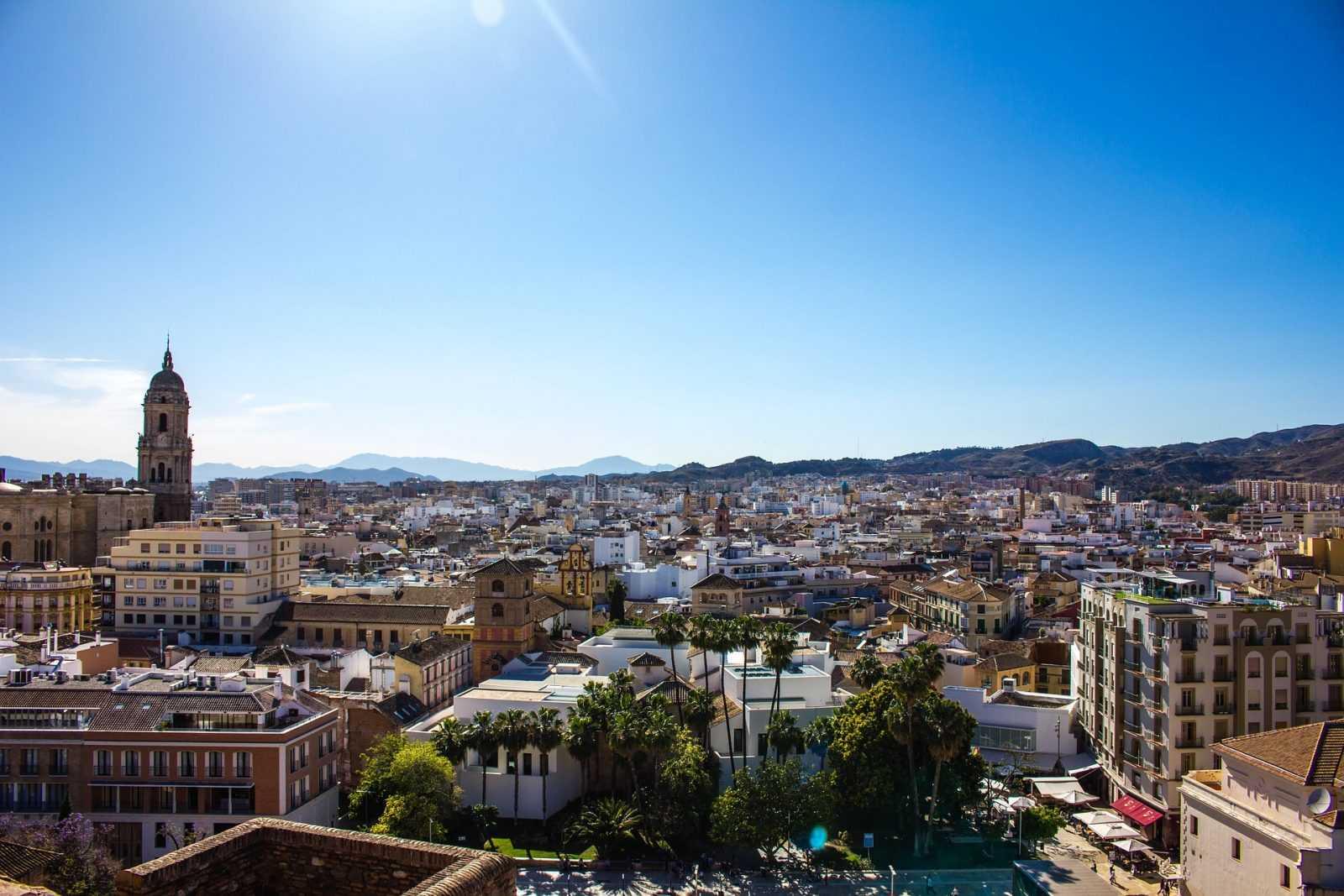 Los 5 mejores sitios para visitar en España! en Bus VIP 35 PLazas