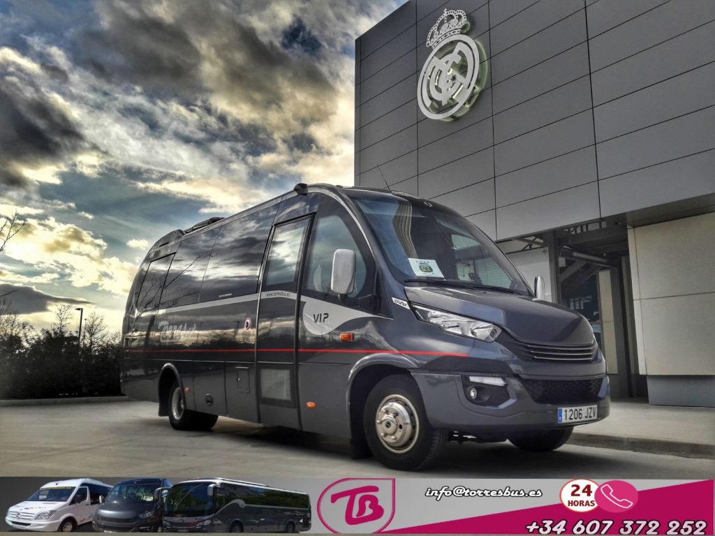 25 kiri Mini VIP ipoġġi f'Madrid reali - Kemm jiswa biex tikri minibus mas-sewwieq