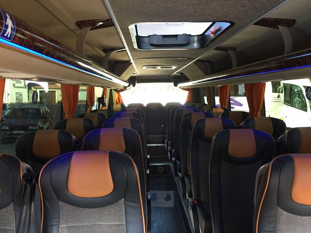 minibus mercedes benz 30 interior pedalaman