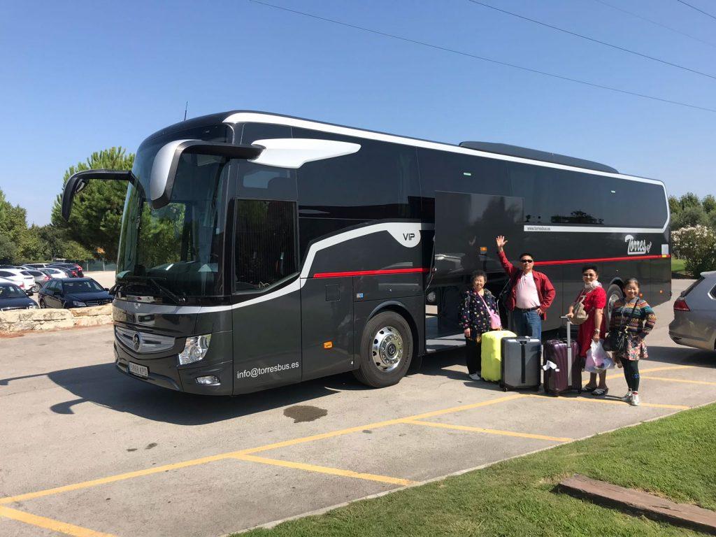 Kiri tal-karozzi tal-linja ta 'Madrid | VIP bus with driver