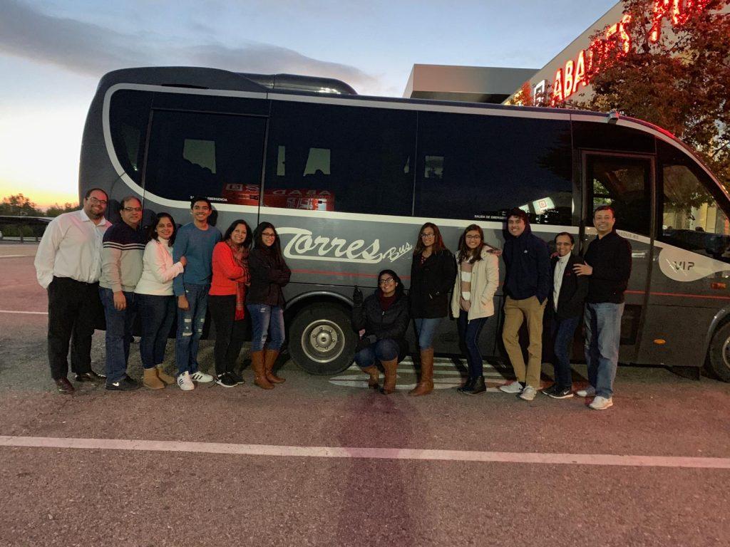 microbuz de închiriere 25 locuri