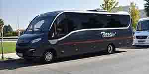 microbus 30 plazas alquilar en madrid iveco