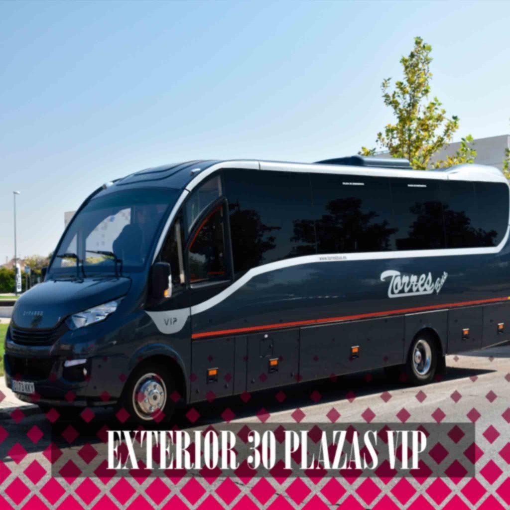 minibus iveco dyparro 30 sedili għall-kiri f'Madrid