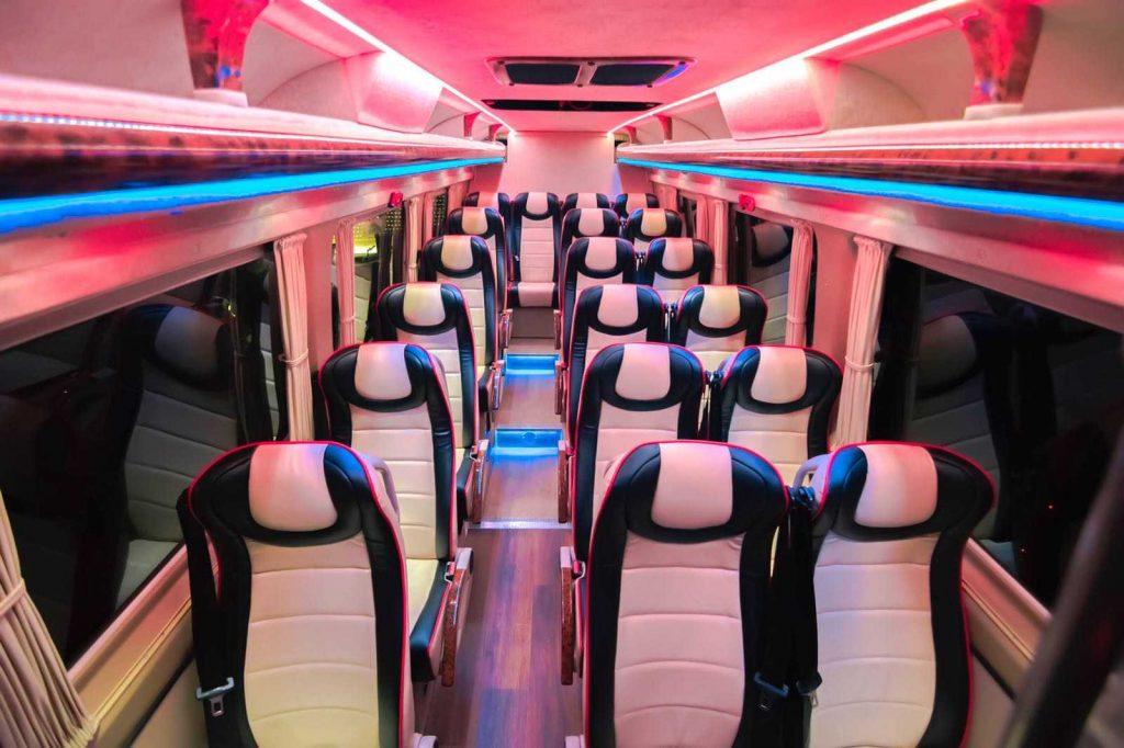 cât costă să închiriezi un microbus de lux vip de clasă din Madrid