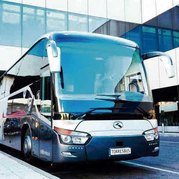 バス52はマドリードの会社のVIP転送を配置します
