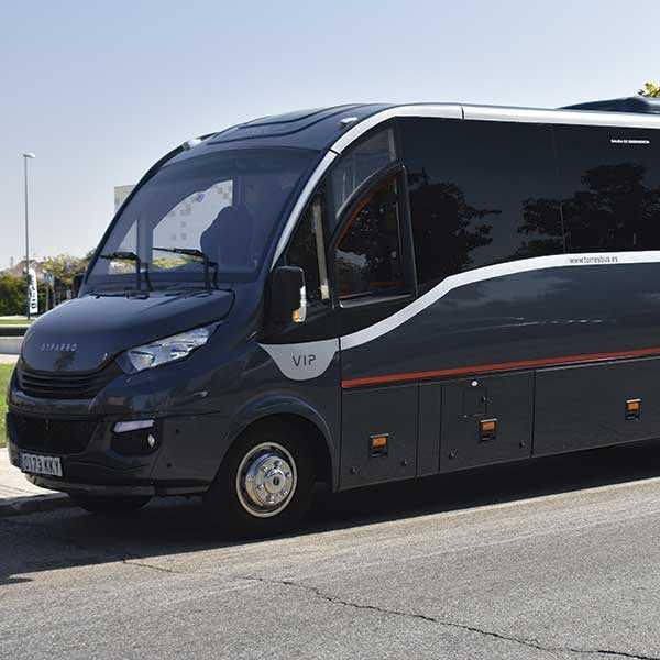 Louer un minibus 30 places vip à Madrid - Transferts aéroport