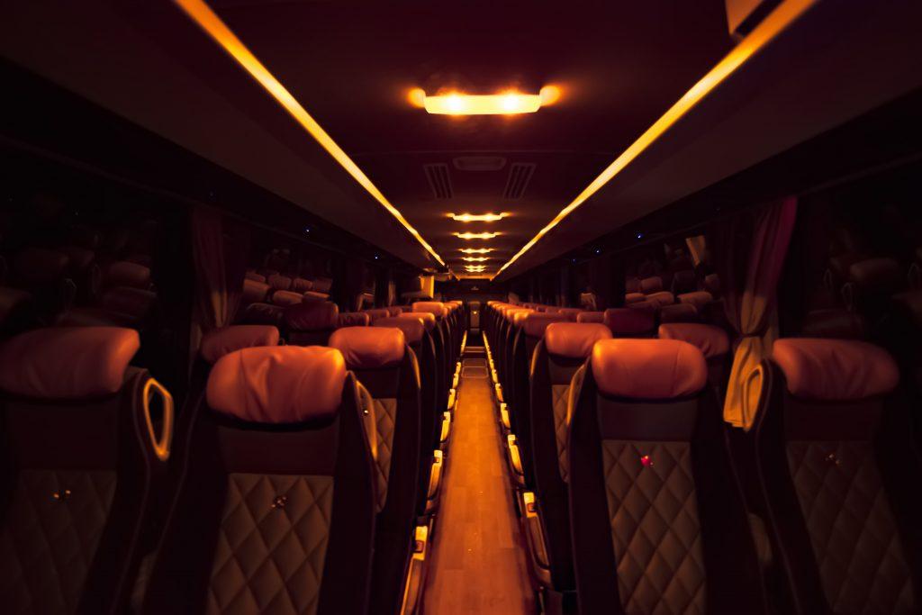 interior Autobus 56 pasajeros