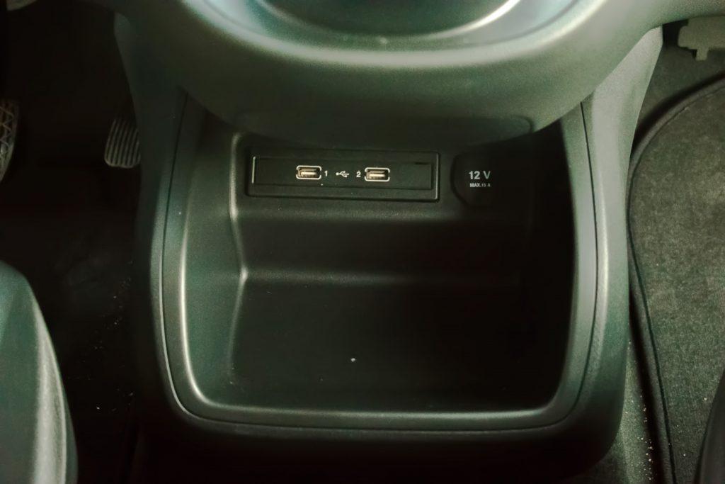 renta de minibus minivan con conductor en madrid