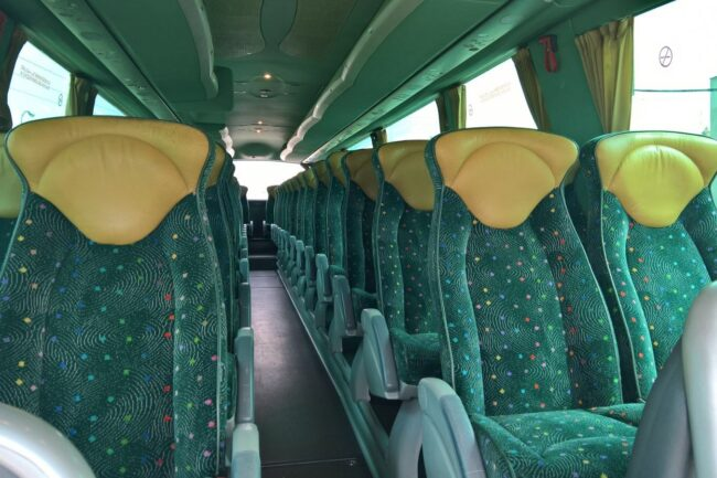 Cuanto cuesta alquilar un autobús para una boda basico turista